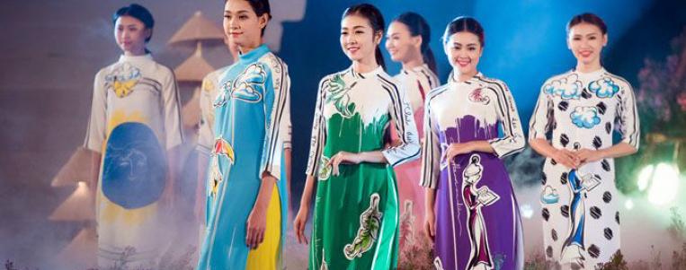 """La fête du """"ao dài""""  à Hô Chi Minh-Ville"""