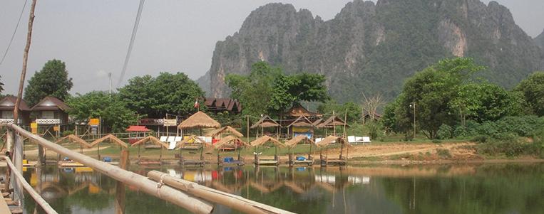 La ville animée de VangVieng