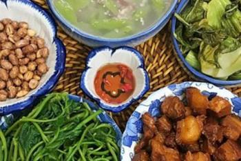 Repas familial - un trait traditionnel à savoir