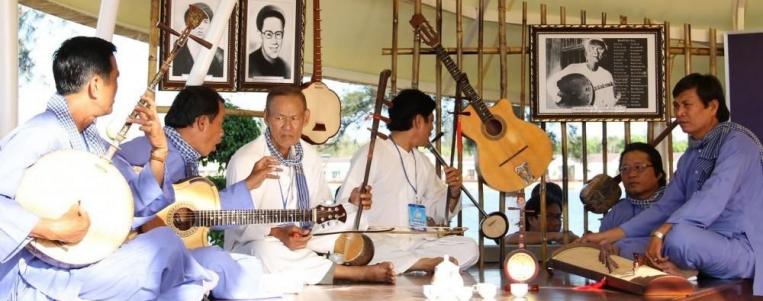 Certains instruments musicaux traditionnels au Vietnam