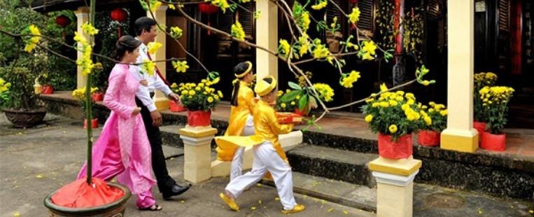 Ce que les Vietnamiens font pendant les vacances du Têt, partie 1