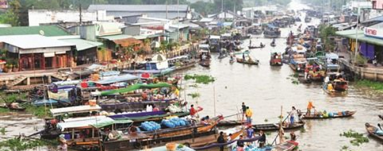 Le marché flottant de Nga Nam à Soc Trang