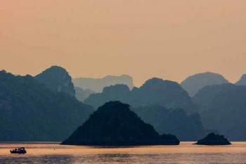Le monde caché dans la baie de Lan Ha