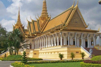 Du royaume PnomPenh à Angkor